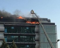 İzmir'de 6 katlı binada yangın!