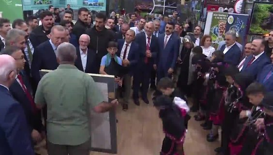 Başkan Erdoğan hasret giderdi! Tek tek inceledi