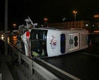 Hasta nakil ambulansı devrildi