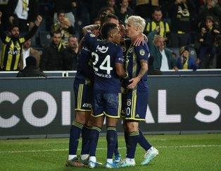 Fenerbahçe'de Beşiktaş derbisi öncesi kriz! 4 yıldız...