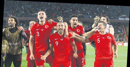 Haddini bil UEFA! A Milli Takım'ın asker selamıyla ilgili skandal açıklama...