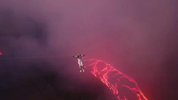 Brezilyalı video yapımcısı Karina Oliani, lavların üzerinden geçerek dünya  rekoru kırdı videosunu izle | Takvim TV