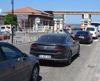 Tatilcilerin dönüş trafiği başladı