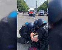 Alman polisinden insanlık dışı hareket!