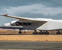Dünyanın en büyük uçağının yolculuğu başlıyor!