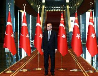 Başkan Erdoğan, başkomutan sıfatıyla Cumhurbaşkanlığı Külliyesinde kutlamaları kabul etti
