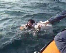 Dikilide düzensiz göçmenleri taşıyan tekne battı: 5 ölü
