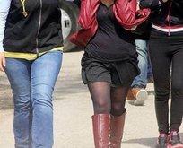 Kadın polislere fuhuş şoku!