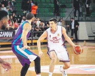 Açılış maçında kazanan Bahçeşehir Koleji oldu
