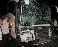 Samsunda feci kaza! TIR yolcu otobüsüne çarptı