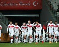 Milli maçta koronavirüs depremi! Türkiye-Rusya maçı oynanacak mı?