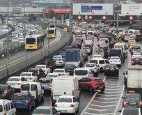 Trafiğe çıkacaklar dikkat! İstanbul kilitlendi