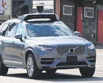 Şoförsüz Uber taksiciyi üzer