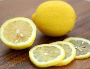 Limon ferahlatıcı özelliği sahiptir! İşte limon dilimleri ile uyumanın mucizevi etkileri...