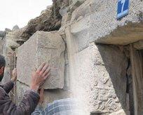 3 bin 300 yıllık yazıtı kapı basamağı olarak kullanılmış!