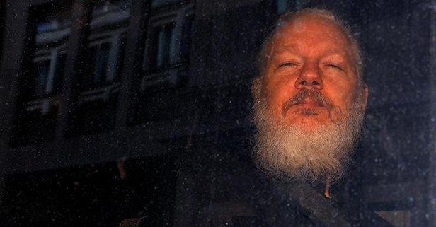 Assange'a bir şok daha!