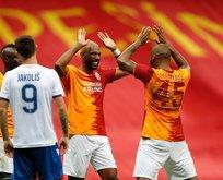 Galatasaray evinde turladı