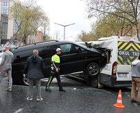 Ataşehir'de feci kaza: Minibüse ok gibi saplandı