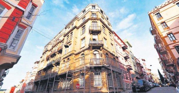 Kadıköy Yeldeğirmeni'ndeki Valpreda Apartmanı 112 yaşında