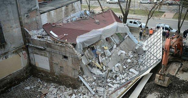 Kazı sırasında bina çöktü! İşçiler son anda kurtuldu