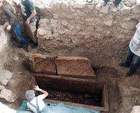 Edremit'te açılan 2500 yıllık mezardan çıkanlar şaşırttı