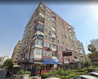 İzmir'deki depremde yerle bir olan Rıza Bey Apartmanı'ndaki malzemenin kalitesizliği gözler önüne serildi