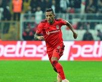 Adriano da yolcu!