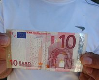Para üstü olarak aldığı 10 Euro'yu 5 yıldır sandıkta saklıyor!