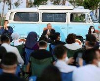 Başkan Erdoğan şarkılara eşlik etti