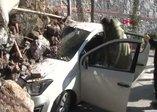 Beykoz'da istinat duvarı çöktü! Araçlar altında kaldı