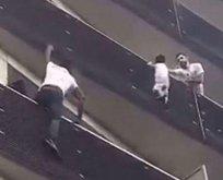 Balkona tırmanıp çocuğu kurtaran göçmen Fransa'da kahraman ilan edildi!
