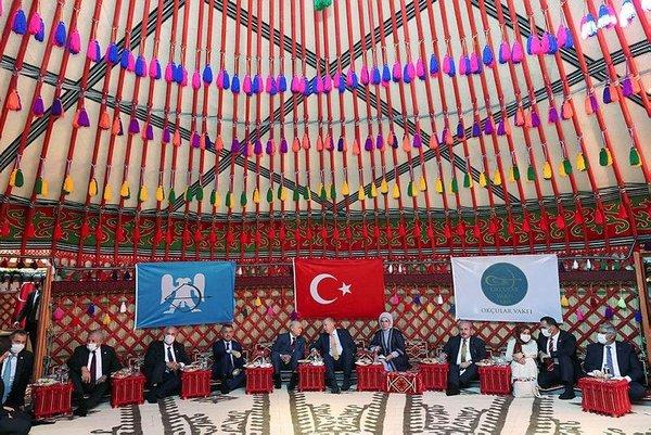 Başkan Recep Tayyip Erdoğan ve Devlet Bahçeli temsili Malazgirt ...