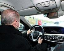 Erdoğan direksiyon başında! Radyoda o türkü var