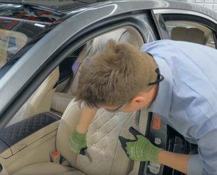 Mercedes koltuğunu kesip biçtiler! İçinden bakın neler çıktı