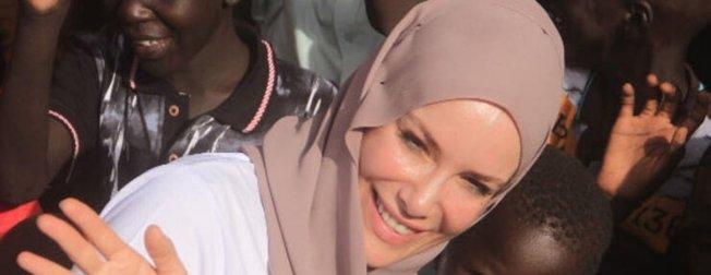Arka Sokaklar'ın 'Zeynep Komiser'i Gamze Özçelik'in kız kardeşi görenleri hayrete düşürdü