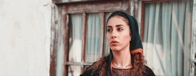Bir Zamanlar Çukurova'nın Fadik'i Polen Emre'yi daha önce hiç böyle görmediniz! Kırmızı elbisesiyle göz doldurdu...