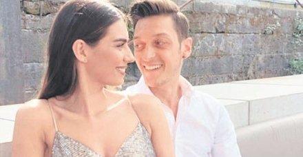 Mesut Özil ile Amine Gülşe çifti sayesinde Tanzanya'daki minikler sağlığına kavuştu