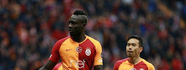Galatasaray'ın yıldızı Diagne'nin eşini görenler şaşkına döndü!