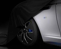 Aston Martinin ilk elektrikli modeli Rapide E gün yüzüne çıktı
