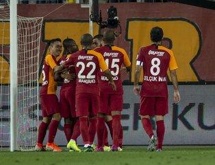 TFF Süper Kupa Galatasaray Akhisarspor maçında dikkat çeken pankart