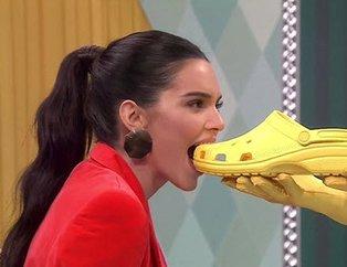 Kendall Jenner'a yayında ayakkabı ve terlik yedirdiler!