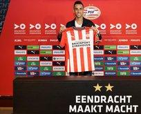 Zahavi imzaladı PSV taşladı