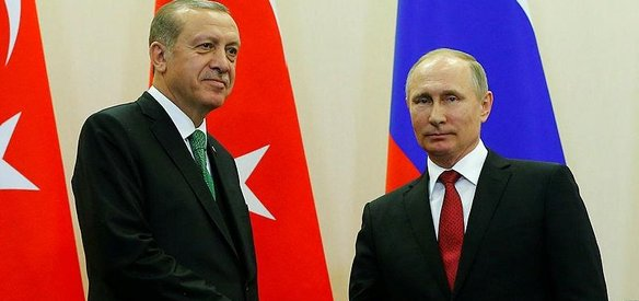 Rusya'nın Soçi kentinde görüşen Cumhurbaşkanı Recep Tayyip Erdoğan ve Rusya Devlet Başkanı Vladimir Putin, domates ve vize konusu dışındaki tüm kısıtlamaları aynı anda karşılıklı kaldırma kararı aldı