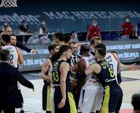 Olaylı maçta kazanan Efes