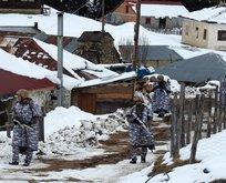 Asker evleri didik didik arıyor