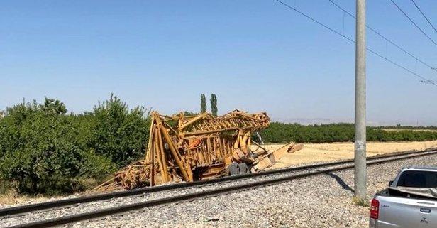 Yük treni kamyonete çarptı