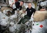 NASA dünyaya duyurdu: 2 astronot şimdiye kadarki en karmaşık uzay görevine başladı