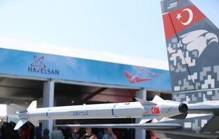 Türkiye'nin ilk hava-hava füzesi Göktuğ Teknofest'te sergilendi