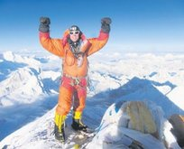 Everest'e tek başına tırmanmak yasak
