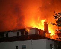 Korkutan yangın! Tarihi konak kül oldu